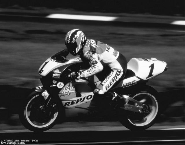 Фотографии из истории участия Honda в MotoGP