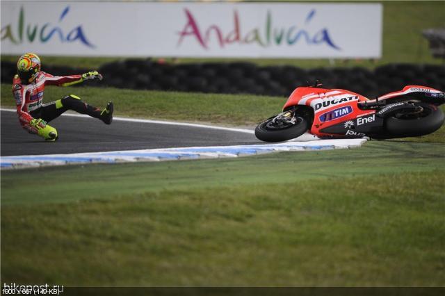 Падения Валентино Росси и Хорхе Лоренцо на Гран При Австралии
