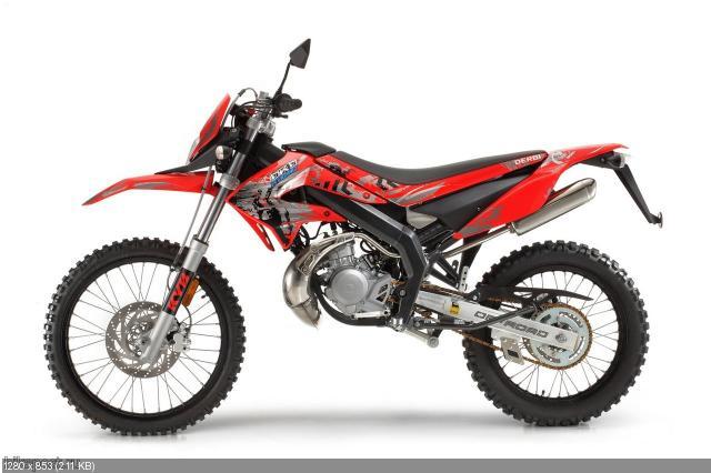 Модельный ряд Derbi Senda DRD 50: Racing и X-Treme