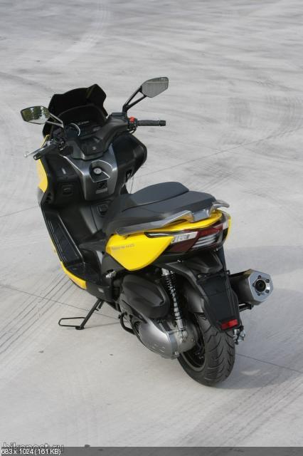 Новый скутер KYMCO Xciting 400i 2012