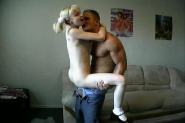 Опытный дядя припёрся в гости к горячей сикухе / Jamie (2006) DVDRip